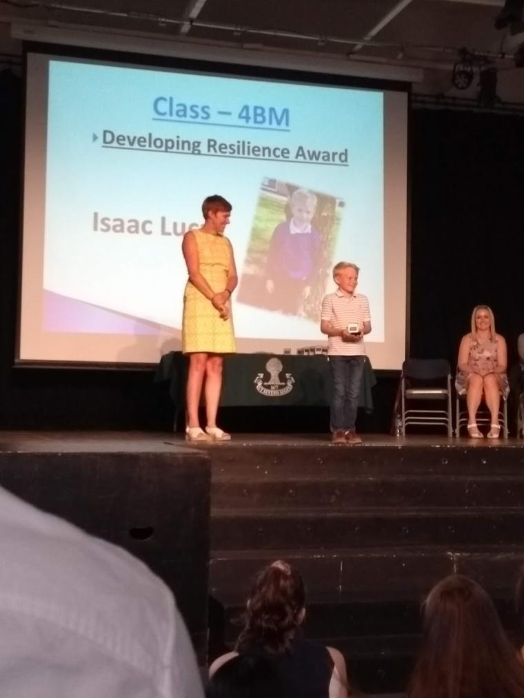 isaac gets award